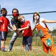 Educação Infantil participa de plantio de mudas