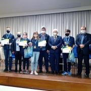 Medalhistas da OBA premiados pelo ministro Pontes