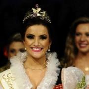 Festa da Uva: Ex-aluna da Rede La Salle é coroada