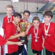 Sub-11 é campeã da Taça Escolar de Futsal 2013
