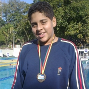 Aluno Dorense é medalhista em natação