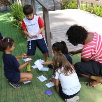 Turno Integral participa de aula lúdica sobre cores