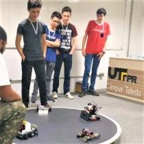 Lassalistas na competição de robótica da UTFPR