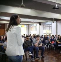 Ensino Médio participa da Feira das Profissões