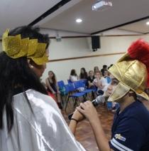 6º ano participa das Olimpíadas de Mitologia