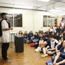 Poesia é tema de palestra para estudantes antonianos