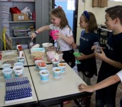 Banquete de sorvete na Semana da Criança