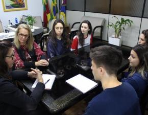 Grêmio Estudantil se reúne com Equipe Diretiva