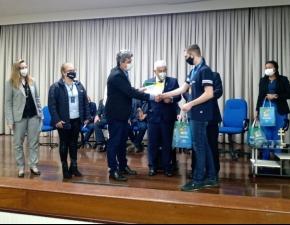 Medalhistas da OBA recebem condecorações