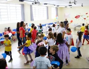 """Turmas do 2º Ano EF participam da """"Festa da Letra Cursiva"""