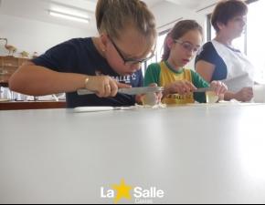 Alunos dos 3º anos produzem sabonete de camomila!