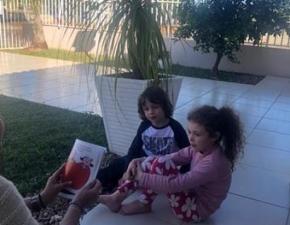 PROJETO CONHECENDO ZIRALDO  Este projeto teve como objetivo proporcionar as famílias um momento significativo e importante de leitura em família. O projeto foi desenvolvido pelas turmas do Pré II.