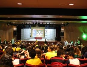 Jogo do Brasil no Teatro