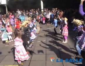 Festa Junina 2013 - Dança da Educação Infantil
