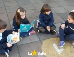 Alunos dos 1º anos preparam contação de histórias para Pré II